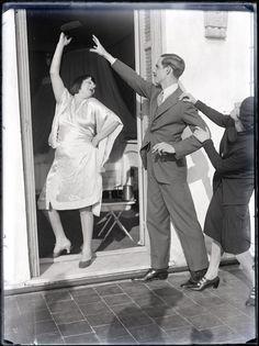 Man Ray photo - Alice Prin, Kiki de Montparnasse et deux personnes 1928 Man Ray Photography, Artistic Photography, Best Photographers, Portrait Photographers, Portraits, Kiki De Montparnasse, American Artists, Oeuvre D'art, Night Club