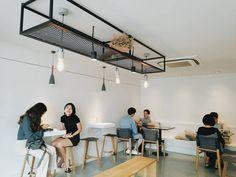 #InvisibleCoffeeRoom #SoiSukhumvit16 #KlongToei #Bangkok #MyKrungthep การตกแต่งสไตล์Minimal ที่ผสมผสานระหว่างแสงธรรมชาติ และแสงประดิษฐ์ออกมาได้อย่างลงตัว #invisiblecoffeeroom  #Sukhumvit16  #CafeHoppingBkk… Hidden Treasures, Track Lighting, Conference Room, Ceiling Lights, Table, Furniture, Home Decor, Decoration Home, Room Decor