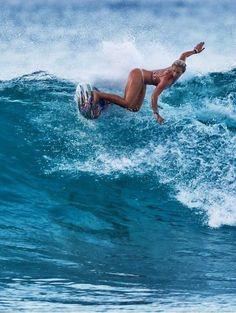 krasses Surfer-Girl! Respekt ⚓️ Ich will auch wieder surfen gehen! #surfingexercise