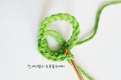 [공개도안]예늬맘의 창작 초롱꽃수세미 <VERSION 2>를 다시 오픈합니다~^^ : 네이버 블로그 Crochet Patterns, Projects, Crocheted Flowers, Crochet Flowers, Tejidos, Stars, Blue Prints, Crochet Granny, Shawl Patterns