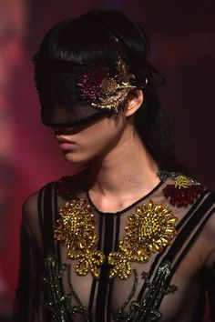 Orientalismus ist erlaubt, Grenzen aber nicht: In Micheles Gucci-Universum...