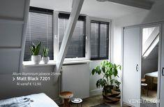 Een stijlvolle toevoeging voor de slaapkamer zijn onze aluminium jaloezieën, die uw interieur helemaal afmaken! Een voordelige optie als u op zoek bent naar geschikte raamdecoratie. Best Blinds, Aluminum Blinds, Window Coverings, New Homes, House Design, Curtains, Interior Design, Bedroom Inspiration, Black