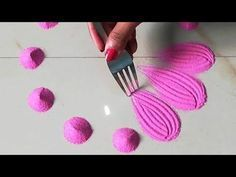 Very easy and quick rangoli using bangles and fork, easy rangoli designs by Sangeeta Best Rangoli Trick Rangoli Designs Simple Diwali, Rangoli Designs Latest, Rangoli Designs Flower, Free Hand Rangoli Design, Rangoli Border Designs, Small Rangoli Design, Rangoli Ideas, Rangoli Designs With Dots, Flower Rangoli