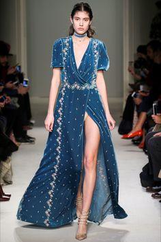 Sfilata Luisa Beccaria Milano - Collezioni Autunno Inverno 2016-17 - Vogue