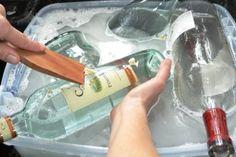 Plutôt que de mettre les bouteilles au recyclage, ils en ont fait des trucs sympa!!