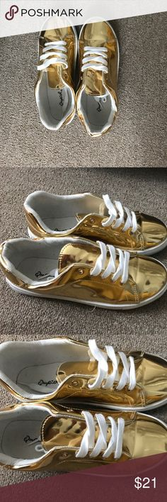 Gold sneakers Gold sneakers size 7 Shoes Sneakers