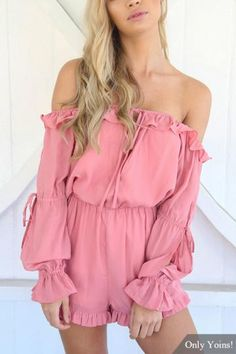 Brighten up your wardrobe options with this easy-tie playsuit for chilly day, in brand new style for this season. With flounced hem, hollow sleeves detail and off-shoulder design, Playsuit Romper, Ruffle Romper, Long Sleeve Romper, Dress Picture, Sweet Dress, Passion For Fashion, Spring Outfits, Cute Outfits, Street Style