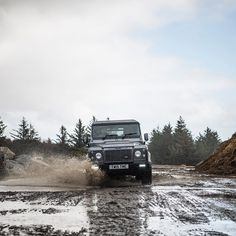 Land Rover Defender 90 SW Twisted Customized-Make your mark. Don't be restricted by the terrain!
