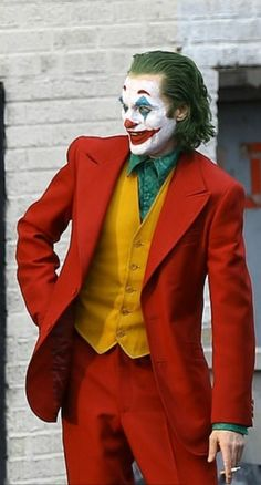 Joaquin Phoenix As The 🃏 Joker Gotham Joker, Joker Film, Joker Hd Wallpaper, Joker Wallpapers, Joaquin Phoenix, Harley Quinn Cosplay, Joker And Harley Quinn, Joker Cosplay Costume, Joker Phoenix