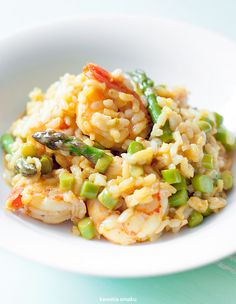 Risotto ze szparagami i krewetkami Lunch Recipes, Dinner Recipes, Cooking Recipes, Healthy Recipes, Healthy Food, Shrimp And Asparagus, Good Food, Yummy Food, Dinner Sides