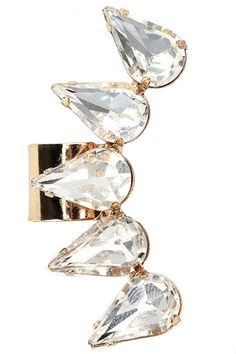 There's a new post up on shehastheeye.tumblr.com all about ear cuff trends for Spring! 13 Striking Ear Cuffs to Energize Your Look