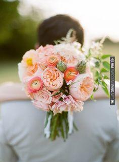 like a summer garden | VIA #WEDDINGPINS.NET