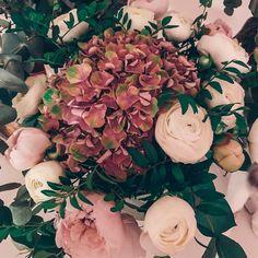 """Gefällt 44 Mal, 13 Kommentare - What i love (@whatilove.at) auf Instagram: """"Time for new adventures! 🤩 Abschiede sind ja so gar nicht mein Ding, daher bin ich froh, dass ich…"""" Advent, Floral Wreath, Wreaths, Flowers, Plants, Blog, Instagram, Going Away, Do Your Thing"""