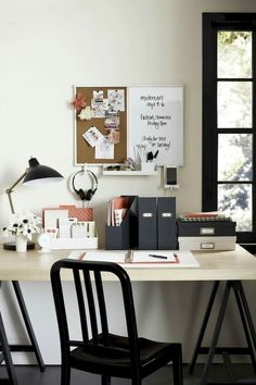 Martha Stewart Wall Manager® System Hanging Shelf Who's ready to get organized with this creative solution to a cluttered desk? The Wall Manager System, available only at Staples, offers storage and organization solutions for your college dorm room. Diy Organisation, Desk Organisation Student, Dorm Desk Organization, Student Desks, Organizing, Martha Stewart, Workspace Desk, Diy Desk, Desk Areas