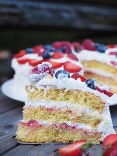 Yay for May and layer cakes! Norwegian Cream Cake (Bløtkake) is a celebration cake, perfect for 17 Mai. Layers of cake, jam, custard, whipped cream & fruit. Cupcake Cakes, Cupcakes, Sugar Bread, Norwegian Food, Strawberry Jam, Cake Ingredients, Cake Table, Cream Cake, Cake Pans