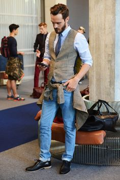 Ami Spring 2014 - houndstooth vest, pale blue shirt, dark blue and white polka dot tie, black belt, cuffed blue jeans, black woven blucher