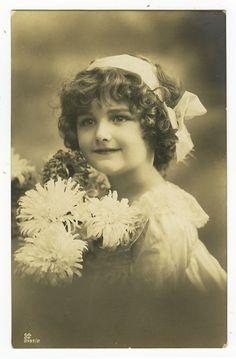 c 1915 Antique Pretty CUTE LITTLE GIRL tinted photo postcard