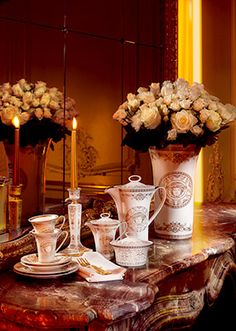 The new Medusa Gala tableware collection is luxuriously defined with gold lines #Versace #VersaceHome #MedusaGala