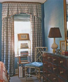 Stunning curtains and valance, by Richard Keith Langham, via The Peak of Chic®: A Georgetown Classic. Box Pleat Valance, Home Goods Decor, Home Decor, Drapes Curtains, Valances, Drapery Panels, Bedroom Curtains, Curtain Designs, Pelmet Designs