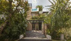 lush-gardens-peekaboo-roof-pool-define-contemporary-home-1-front-thumb-630x363-36549 http://imgsnpics.com/amazing-house-design-idea-image-7/