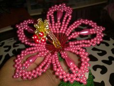 A game to get everyone laughing A game to get everyone laughing - New Ideas - New Ideas French Beaded Flowers, Wire Flowers, Bead Crafts, Jewelry Crafts, Diy And Crafts, Seed Bead Art, Seed Beads, Fuse Beads, Loom Beading