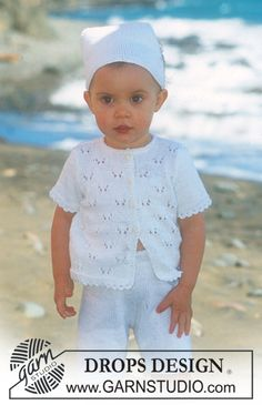 DROPS Baby - Jacket with short sleeves, shorts and scarf in Safran - Free pattern by DROPS Design Baby Knitting Patterns, Free Baby Patterns, Knitting For Kids, Free Knitting, Free Pattern, Knitted Baby Cardigan, Knit Baby Sweaters, Girls Sweaters, Drops Design