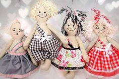 Zdjęcie użytkownika Black & White Factory. Disney Characters, Fictional Characters, Black And White, Disney Princess, Art, Dolls, Black White, Art Background, Black N White
