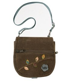 I own this purse. It's fantastic; I just wish it were a little bigger! Hoping to upgrade to a bigger purse this fall/winter sometime... and I have my eye on the newer stuff coming from Haiku.