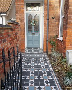 Transforming a tired garden path - End of the Row Front Path, Front Door Steps, Porch Steps, Victorian Front Garden, Victorian Front Doors, Victorian Homes, Porch Tile, Porch Flooring, Exterior Tiles