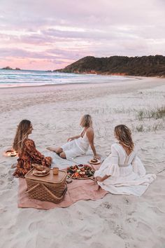 Summer Vibes Adventure Discover DIY Plastic Free Picnic DIY Plastic Free Picnic Byron Bay Spell & The Gypsy Collective Beach Aesthetic, Summer Aesthetic, Aesthetic Photo, Pink Aesthetic, Beach Vibes, Summer Vibes, Beach Day, Beach Trip, Summer Beach