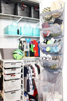 20 Amazing Organization Hacks That Will Transform Your Bedroom Printables To Help You Organize! 20 Amazing Organization Hacks That Will Transform Your BedroomThis Post May Contain Affiliate Links. Organizing Hacks, Home Organization Hacks, Closet Organization, Organising, Cleaning Hacks, Small Bedroom Organization, Back To School Organization, Nerf Gun, Over The Door Organizer