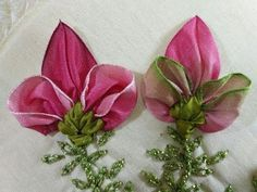 How To Make Ribbon Embroidery Design by Hand Diy Lace Ribbon Flowers, Organza Flowers, Felt Flowers, Fabric Flowers, Hand Embroidery Flowers, Silk Ribbon Embroidery, Hand Embroidery Designs, Embroidery Stitches, How To Make Ribbon