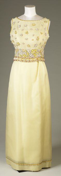 Evening dress, by Hardy Amies, 1968. Silk organza, sequins. Worn by H.M. Queen Elizabeth II. Royal Collection Trust/All Rights Reserved.