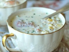 Corn, Crab and Shrimp Chowder Recipe on Food Wine. Andrew Zimmern adds depth to his rich seafood chowder by making an easy stock with corn cobs and shrimp shells. Plenty of cream and butter make this chowder irresistibly decadent. Chowder Recipes, Soup Recipes, Cooking Recipes, Recipies, Fish Recipes, Seafood Recipes, Quick Recipes, Delicious Recipes, Healthy Recipes