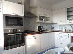 Jana Strempeková - Decodom Kitchen Cabinets, Home Decor, Kitchen Cabinetry, Homemade Home Decor, Decoration Home, Kitchen Shelving Units, Dressers, Home Decoration, Kitchen Shelves