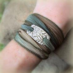 Silver Leaf Bracelet Fern  Made From Real Leaves  par SilvanArts, $42.00