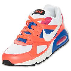 Lovin' my new summer kicks! -- Nike Air Max IVO Running