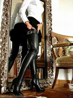 OMG! OMG! Wow SEXY BOOTS! These are SO hot! <3 http://stilettogarden.com