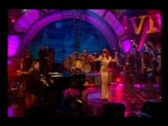 Florence And The Machine Hootenanny 09 My Baby Just Cares For Me.wmv
