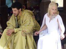 ссылка на поиск Заказ игра престолов S5 Daenerys Targaryen белый маскарадный костюм взрослых женщин карнавал ну вечеринку косплей костюм(China (Mainland))