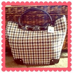 LIZ CLAIBORNE Tote BUNDLE & SAVE 30%   Tan, cream and dark brown houndstooth with dark brown leather accents gold hardware, spacious inside, zipper wall pocket and media compartments 14in(H) 16in(L) 4.75in(D) 6.75in strap drop Liz Claiborne Bags Totes