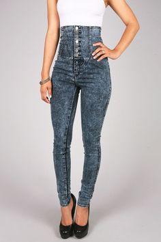 Distressed high waisted jeans | fashion looks #fashionlooks ...