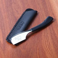 The Dark Stag Kamisori Razor is our flagship innovation. Taking inspiration from the Japanese Straight Razor to bring you a unique experience. Japanese Straight Razor, Custom Straight Razors, Barber Razor, The Art Of Shaving, Shaving Razor, Safety Razor, Knives And Swords, Leather Pouch, Knives