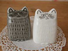 【Lisa Larson】リサ・ラーソン<br>ねこのソルト&ペッパー[美濃焼]<br><br>陶器 ねこ 北欧 誕生日 日本製 スウェーデン