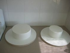 Dummy Cake, Cake Decorating Classes, Cakes, Decoration, Board, Tableware, Decor, Dinnerware, Cake Makers