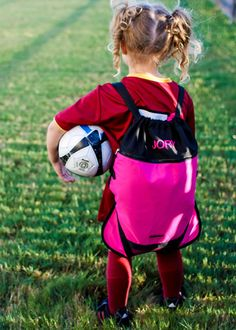 "@dailymompins ""A new school year also means that fall sports are upon us, and with that comes the need for storage and organization of athletic gear. We love the Personalized Athletic Bag by One Step Ahead, which includes 4 compartments, to keep dirty clothes separated from clean clothes and to store anything your little one needs for their next practice or game...."""