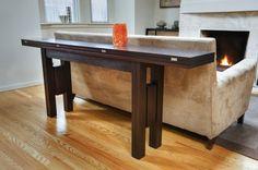 """Uma mesa que é """"pau pa toda obra"""" como diz um pedreiro amigo nosso. Ela é aparador e mesa de sala de jantar. Homedit Beijos mi..."""