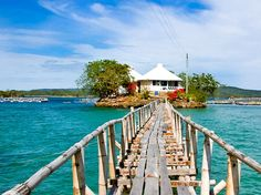 Guimaras Island - 15 Breathtaking Places To Go Soul-Searching In The Philippines Vacation Places, Places To Travel, Places To Visit, Philippines Culture, Philippines Travel, Exotic Beaches, Tropical Beaches, Visayas, Tourist Spots