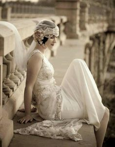 Roaring 20's style. Headpiece and veil