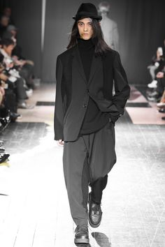 See the Yohji Yamamoto autumn/winter 2015 menswear collection